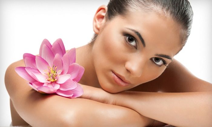 Encino Concept Salon - Encino: One or Three 60-Minute Natural Facials at Encino Concept Salon (Up to 60% Off)