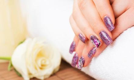 Manucure avec pose d'ongles en gel et nail art personnalisé dès 19,99 € chez Histoire d'ongles