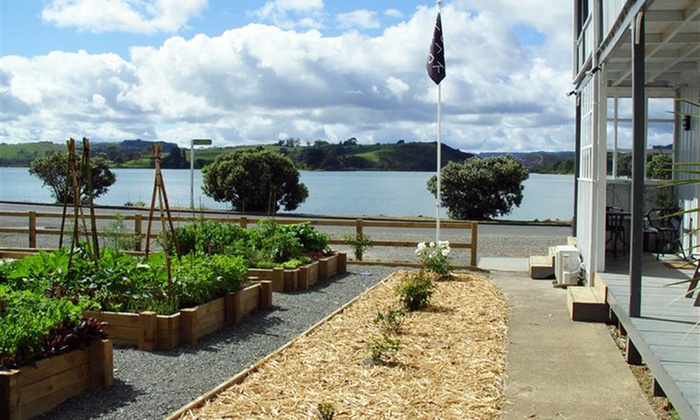 The old oak boutique hotel in mangonui groupon getaways for Boutique getaways