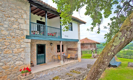 Asturias: 2 o 3 noches para 2 o 4 en apartamento o casa rural con detalle y opción a cena y ruta en Caserías de Sorribas
