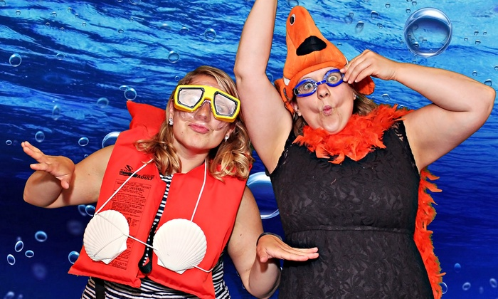 Lighthouse Media - Milwaukee: $399for a Four-Hour Green Screen Photo-Booth Rental from Lighthouse Media ($799Value)