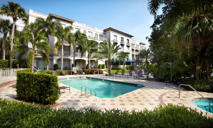 Trianon Hotel Bonita Bay - Bonita Springs, FL: 1-Night Stay for Two with Dining Credit at Trianon Hotel Bonita Bay in Bonita Springs, FL