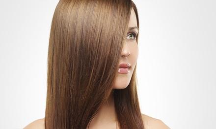 Lissage brésilien à la kératine pour tout type de cheveux à 89 € au salon de coiffure Ozana