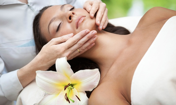 Vina Valencia Salon & Day Spa - Rossford: One or Three Spa Facials at Vina Valencia Salon & Day Spa (Up to 56% Off)