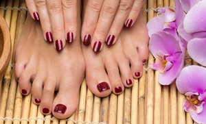 2 sesiones de manicura y/o pedicura con esmaltado clásico o permanente desde 12,90 € en Imagen y Stylo