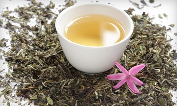 LooseLeaf Lounge - Lakeview: $26 for a Tea Tasting Class for Two with a Jar of Tea to Take Home at LooseLeaf Lounge ($52 Value)