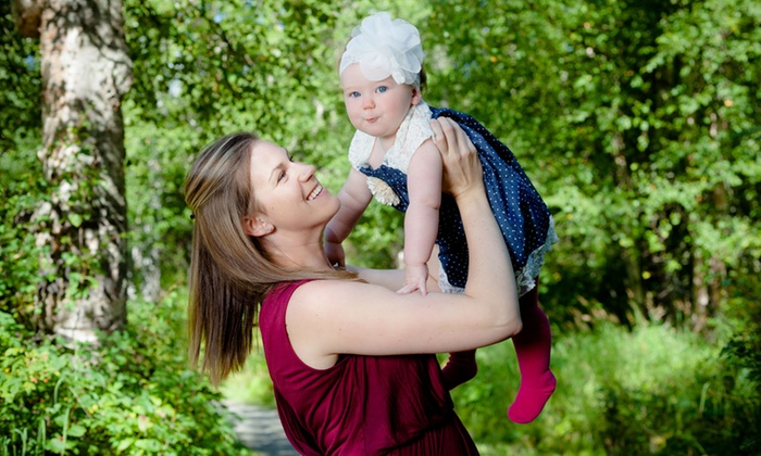 """Aspect Alaska Photography - Anchorage: $59 for Mom-and-Child or Family Photo Shoot plus 8""""x10 Print from Aspect Alaska Photography ($165 Value)"""