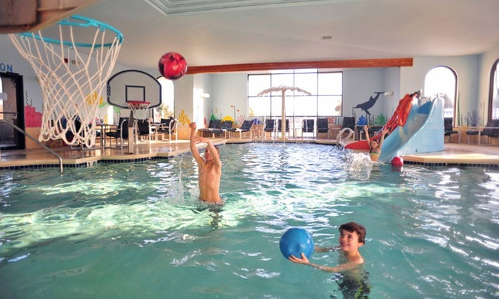 Atlantis Waterpark Hotel Wisconsin Dells Wi Stay With Water Park Pes At