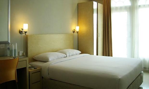 Batam: Trinity Hotel +Tour +Ferry 1