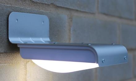 Una o 2 lampade ad energia solare da esterno
