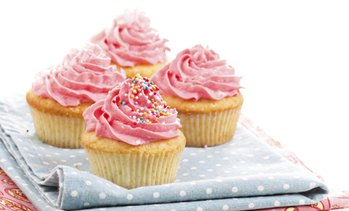 Up to 29% Off on Cupcake (Bakery & Dessert Parlor) at Fruitsitiz Fruit Arrangement Edible Treats