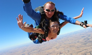 Skydive Australia: From $204 (Plus $35 APF and Administration Levy) for a Tandem Skydive from Up to 14,000ft with Skydive Australia