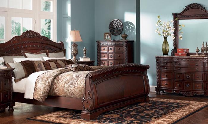 Leonard's Furniture - Gainesville: 67% Off Home Décor and Furniture at Leonard's Furniture
