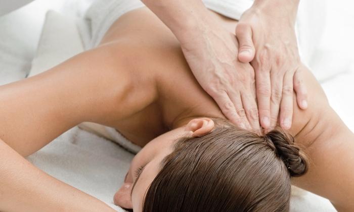 ManeeWan Chiropractic - Van Nuys: $39 for One-Hour Deep-Tissue Massage at ManeeWan Chiropractic ($79 Value)