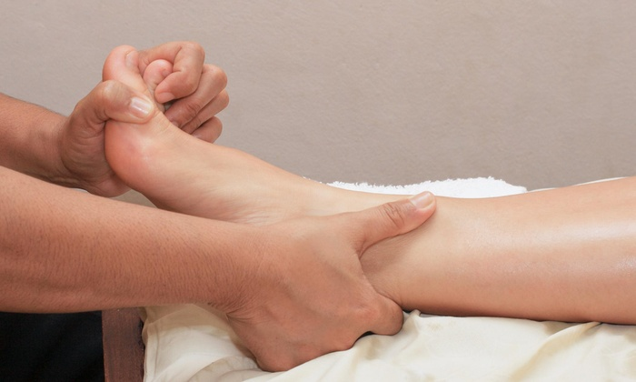Canadian MediPain Centre - Southwest Calgary: C$29 for a Foot Assessment and Credits for Orthotics and Shoes at Canadian MediPain Centre (C$275 Value)
