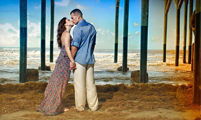 The Lennz Photography - Houston: $199 for a Two-Hour On-Location Couples Photo Shoot with CD of Edited Images from The Lennz Photography ($400 Value)