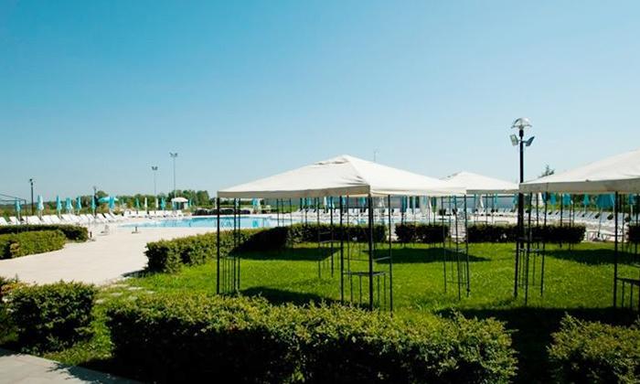 Ingresso giornaliero in piscina parco livenza groupon - Piscine preistoriche ingresso giornaliero ...
