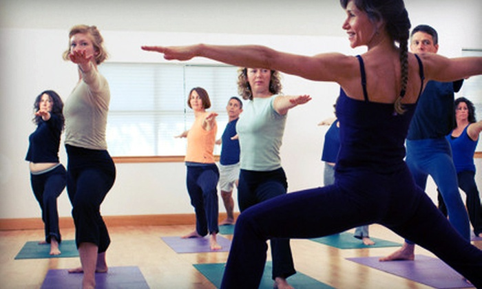 Oasis Personal Training and Group Fitness Center - Camelback East: $25 for One Month of Classes and One Smoothie at Oasis Personal Training and Group Fitness Center ($204.50 Value)