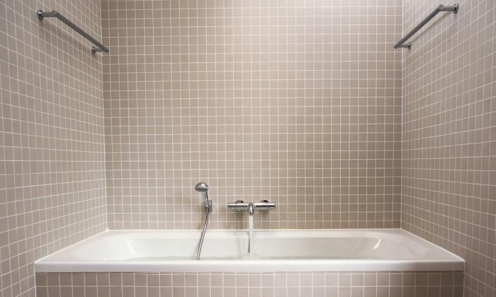 Tub or Shower Caulking - Oak Park: $94 for Tub or Shower Caulking from Budget Right Handyman ($188 Value)