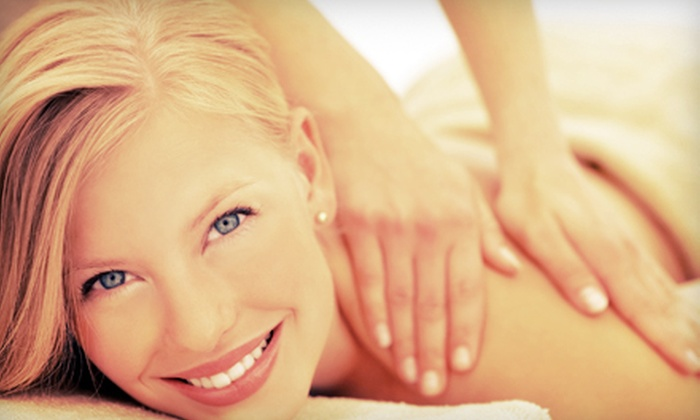 Dawn2Dusk Holistic Center - Cuyahoga Falls: Massage and Holistic Services at Dawn2Dusk Holistic Center (Up to 74% Off). Four Options Available.