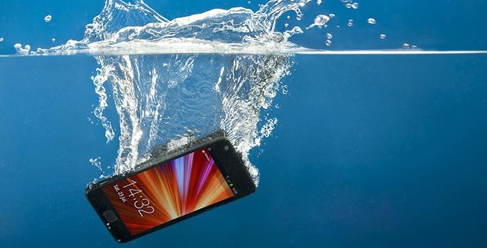 Splash Mobile - Pinellas Park: Water-Safe Smart-Phone, iPad, or Tablet Coating at Splash Mobile (Up to 51% Off)