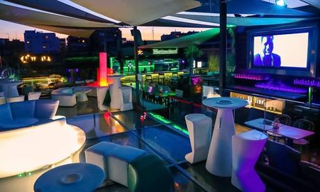 Menú para 2 o 4 con entrante, principal, postre, bebida y opción a cachimba desde 39,99 € en Terraza Skyline Madrid
