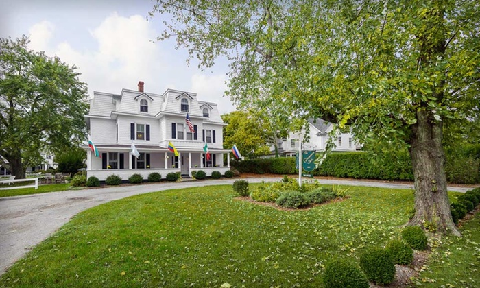 The Grassmere Inn - The Hamptons, NY: One-Night Stay with Wine and Optional Tennis Lesson at The Grassmere Inn in the Hamptons, Valid Sunday-Thursday