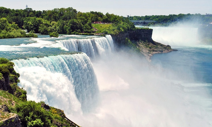 Michael's Inn Fallsview Hotel - Niagara Falls, Ontario: Stay with Getaway Package at Michael's Inn Fallsview Hotel in Niagara Falls, ON. Dates Available into July.