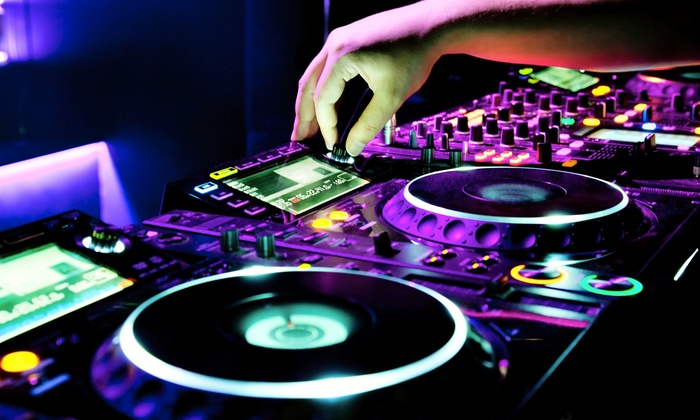 International Dance Studio - Miami: $249 for Four Hours of DJ Services from DJ Suave at International Dance Studio ($595 Value)