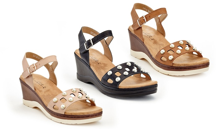 712869a898 Up To 68% Off on Lady Godiva Women's Sandals | Groupon Goods