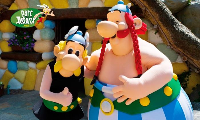Parc Astérix - Plailly: Séjour au Parc Astérix avec nuitée et entrée au parc pour 2 ou 3 adultes, et 1 ou 2 enfants en option dès 179,20 €