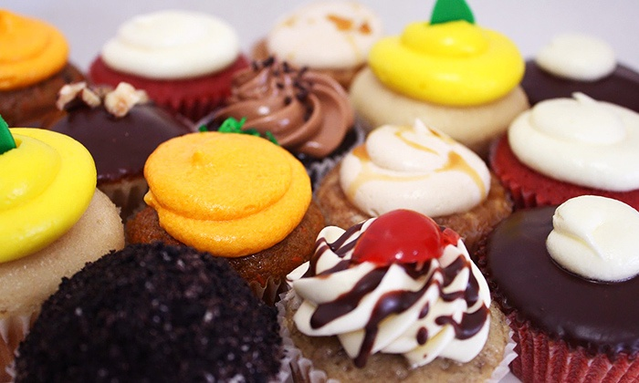 Sweet Dreams - Colma: $20 for One Dozen Regular Cupcakes or Two Dozen Mini Cupcakes at Sweet Dreams (Up to $42 Value)