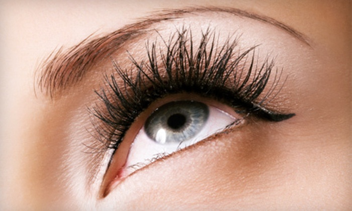 Expert Waxer - Centennial: $70 for One Set of Eyelash Extensions with One Fill Treatment at Expert Waxer ($140 Value)