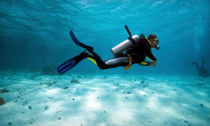 Stuart Scuba - Port Salerno-Hobe Sound: $185 for a Beginners' Class for Open-Water Certification from Stuart Scuba ($375 Value)