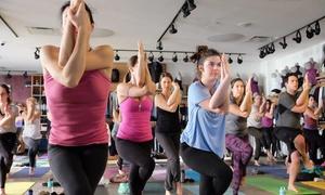 Dama Yoga: 5 ou 10 cours de yoga chaud pour 1 ou 2 personnes chez Dama Yoga (jusqu'à 83 % de rabais)