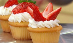 3D Cakes: 12 Strawberry or Gourmet Cupcakes from 3D Cakes (79% Off)