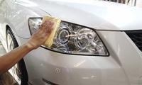Pulido de faros delanteros de coche por 19 € o con aplicación de líquido protector por 24 €