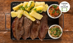Terapia Bar e Restaurante: Terapia Bar e Restaurante - Asa Norte: porção de picanha com mandioca ou fritas +  4 cervejas Budweiser para 2 pessoas