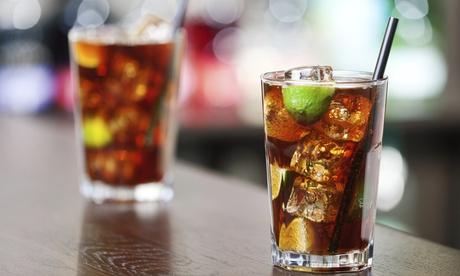 4 copas o 1 botella de primeras marcas con refrescos desde 12,95 € de junto a la plaza Uncibay