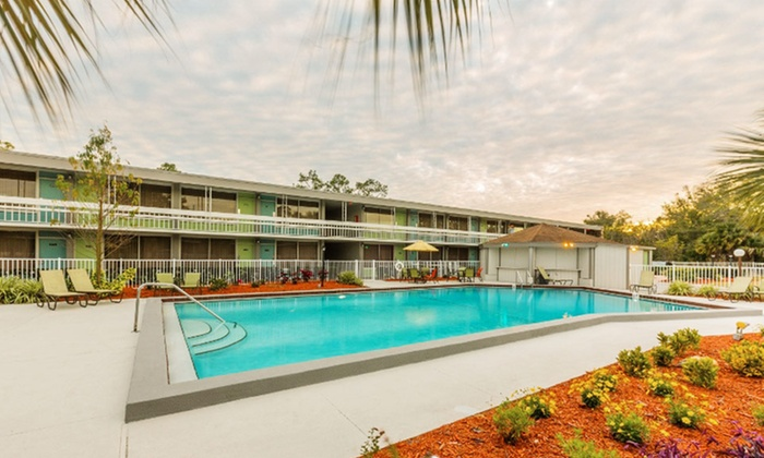 Champions World Resort - Kissimmee, FL: Stay at Champions World Resort in Kissimmee, FL, with Dates into April
