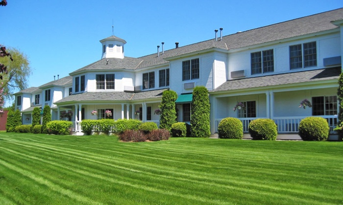The Ashbrooke - Door County, WI: Stay at The Ashbrooke in Egg Harbor, WI. Dates into July.