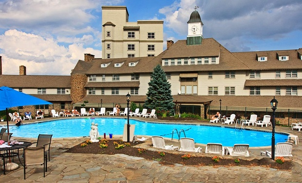 The Inn at Pocono Manor - Pocono Manor, Pennsylvania : Stay with Daily Dining Credit at The Inn at Pocono Manor in Pocono Manor, PA. Dates into September.