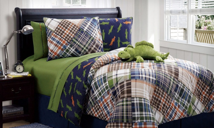 up to 72% off zoo-mates kids' reversible bed sets | groupon
