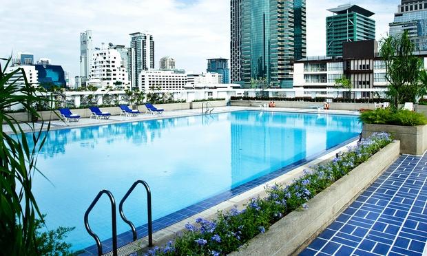 0-GLOW-Trinity-Silom---Swimming-Pool-2048x1229.jpg