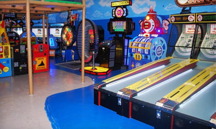Banana Jack's - Highlands Reserve: $15 for Arcade and Indoor Playground for a Family of Four with Pizza, Drinks, and Tokens at Banana Jack's ($29.95 Value)