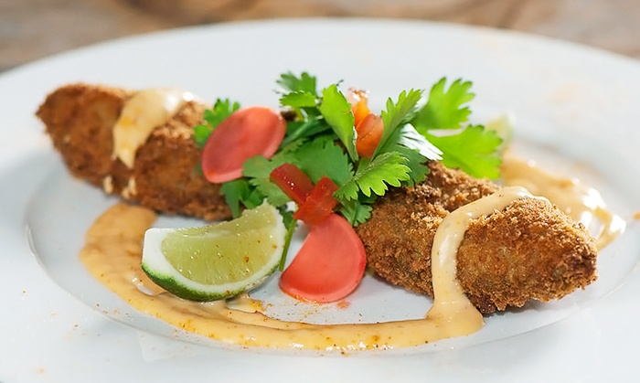 El'eat Restaurant & Lounge - Miami Beach: $30 for $50 Worth of Upscale Dinner at El'eat Restaurant & Lounge. Reservation Through Groupon Required.