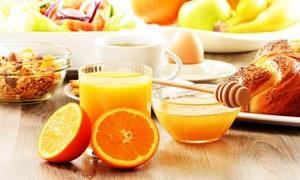 Wunderbar: Großes Deluxe-Frühstück inklusive Orangensaft oder Prosecco für Zwei oder Vier im Café Wunderbar ab 17,90 €