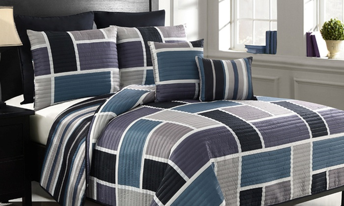 7-Piece King or Queen Reversible Quilt Sets: 7-Piece King or Queen Reversible Quilt Sets