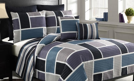 7-Piece King or Queen Reversible Quilt Sets