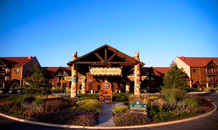 Niagara Falls Great Wolf Lodge Water Park Resort